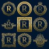 Uitstekende monogrammenreeks van r-brief Gouden heraldische emblemen in kronen, ronde en vierkante kaders royalty-vrije illustratie