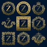 Uitstekende monogrammenreeks van z-brief Gouden heraldische emblemen in kronen, ronde en vierkante kaders vector illustratie