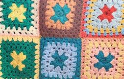 Uitstekende multicolored gehaakte vierkanten Stock Foto