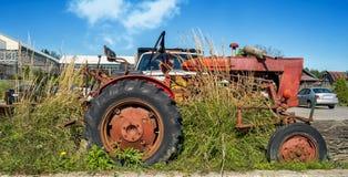 Uitstekende oude tractor Royalty-vrije Stock Afbeeldingen