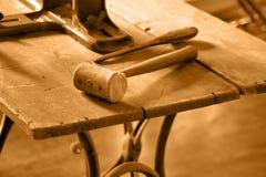 Uitstekende Oude Worktable Royalty-vrije Stock Foto's