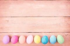Uitstekende pastelkleurpaaseieren Stock Foto's
