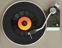 Uitstekende platenspeler met vinylverslag royalty-vrije stock foto's