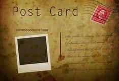 Uitstekende prentbriefkaar met grunreachtergrond Stock Foto's