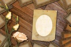 Uitstekende prentbriefkaar voor uitnodiging met bos Stock Afbeelding