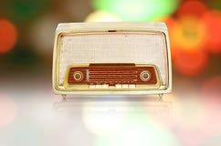 Uitstekende radio met kleurrijke achtergrond Royalty-vrije Stock Afbeelding