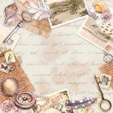 Uitstekende reiskaart, spatie Oud document, kompas, hand geschreven brieven, oude sleutels, zegels, verbindingen, shells brieven stock illustratie