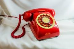 Uitstekende rode telefoon Stock Fotografie