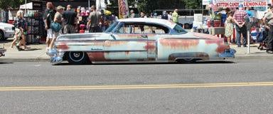 Uitstekende roestige auto Royalty-vrije Stock Foto's