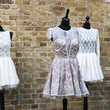 Uitstekende roze kleding stock foto's