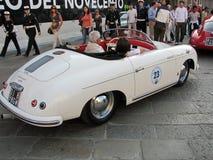 Uitstekende sportwagen Royalty-vrije Stock Afbeeldingen