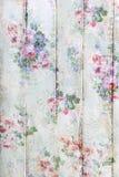 Uitstekende stijl houten achtergrond met bloemenpatroon Stock Foto's
