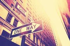 Uitstekende stijlfoto van de één maniertekens in Manhattan, NYC Royalty-vrije Stock Foto's