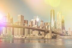 Uitstekende stijlhorizon van Stad de van de binnenstad van New York bij vroege ochtend Royalty-vrije Stock Foto
