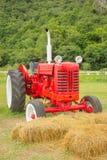 Uitstekende Tractor stock foto