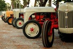 Uitstekende tractoren Royalty-vrije Stock Foto's