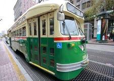 Uitstekende tram in de dienst op de lijn van de Markt van F Stock Fotografie