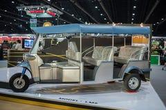 Uitstekende tuk tuk auto (motor-driewieler) bij de Internationale Motor Expo 2015 van Thailand Stock Foto