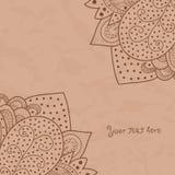 Uitstekende uitnodigingshoeken op lichtbruine grungeachtergrond met kantornament, het ontwerp van het malplaatjekader voor kaart  Royalty-vrije Stock Fotografie