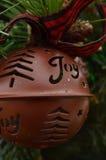Uitstekende van de het ornamentar van metaalkerstmis de klok groene boom Stock Fotografie