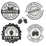 Uitstekende van van brouwerijembleem, emblemen en kentekens vectorreeks Inzameling van uitstekende het brouwen bedrijfetiketten Royalty-vrije Stock Afbeeldingen