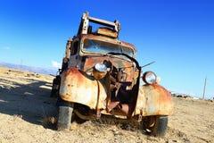 Uitstekende verlaten vrachtwagen royalty-vrije stock foto