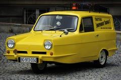 Uitstekende Vertrouwende Vorstelijke gelijkaardig aan Dravers minibestelwagen royalty-vrije stock afbeeldingen