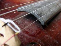 Uitstekende violine met stof Royalty-vrije Stock Fotografie