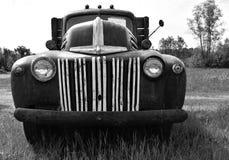 Uitstekende vrachtwagen Stock Foto's