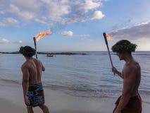 Uitvoerders in een Luau in Hawaï royalty-vrije stock fotografie