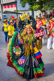 Uitvoerders met kleurrijke en gedetailleerde kostuums royalty-vrije stock foto's