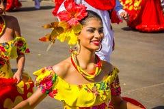 Uitvoerders met kleurrijke en gedetailleerde kostuums royalty-vrije stock fotografie