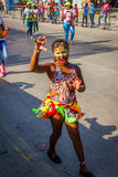 Uitvoerders met kleurrijke en gedetailleerde kostuums stock afbeeldingen