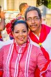 Uitvoerders met kleurrijke en gedetailleerde kostuums royalty-vrije stock afbeelding