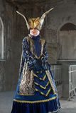 Uitvoerders in Venetiaans kostuum stock foto