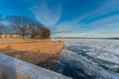 Uitwisselingsvierkant op het Spit van Vasilyevsky Island Stock Foto