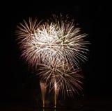ujawnienia fajerwerku wysokości długa noc nad ilości niebem obrazy stock