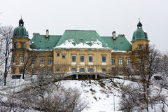 Ujazdow Castle in Warsaw. WARSAW CITY, POLAND - MARCH 15, 2010: Baroque-Neoclassical Ujazdow Castle in winter time, between Ujazdow Park and Royal Baths Park royalty free stock image