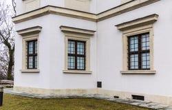 Ujazdowski slott i sen vinter Stad av Warszawa, Polen royaltyfria bilder