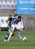 Ujpest contra partido de fútbol de la liga del banco de Gyori ETO OTP Fotos de archivo