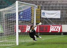 Ujpest contra partido de fútbol de la liga del banco del MTK OTP Fotos de archivo