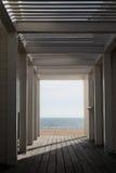 Układu szablonu tło z przestrzeni światłem w końcówce plażowy struktury przejścia tunel Fotografia Royalty Free