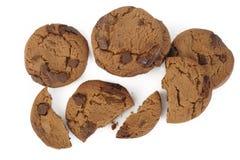 układ scalony czekoladowego ciastka odosobniony biel Obrazy Stock
