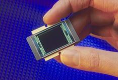 układ scalony dotyka mienie mikroprocesor Fotografia Royalty Free