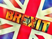 UK-flagga med det Brexit ordet i filtrerad wood typ Arkivfoton