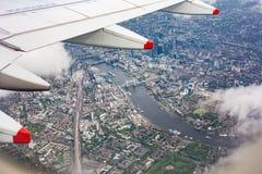 UK från flygplanfönstret arkivbilder