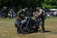 UK-krigsmakt tillbringar veckoslutet berömmar Trowbridge 2018 Wiltshire arkivfoton