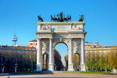 Łuk pokój w Mediolan, Włochy Obrazy Royalty Free
