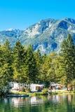 Ukanc het kamperen plaats op Bohinj-meer, Slovenië Royalty-vrije Stock Foto's
