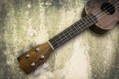 Ukelele Hawaiiaanse gitaar op witte achtergrond Royalty-vrije Stock Afbeeldingen